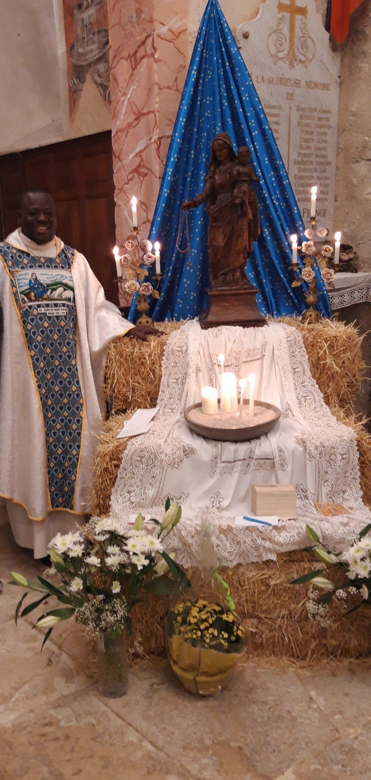 Célébration finale autour de la Vierge Pélerine